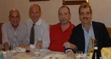 Il Prof. Enrico Gherlone ed i suoi chirurghi. Rispettivamente da sinistra Massimo Pasi, Raffaele Vinci, Stefano Zandonella